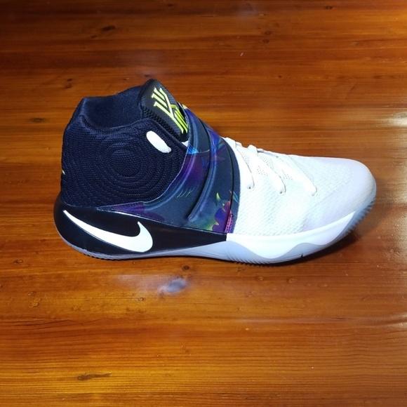 best website a1eb3 1b567 Nike Kyrie 2 Parade Mens Size 10. White/Black-Volt